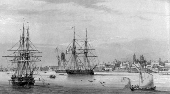 1815. Esta es una imagen de barcos españoles fondeados próximos a las orillas de la ciudad.