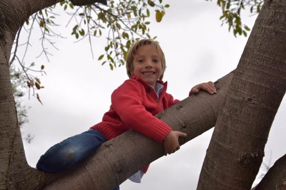 """Agustín, de 7 años, se sometió durante dos años y medio a """"muchas cirugías"""" y cateterismos. Foto: Fundación Corazoncitos"""