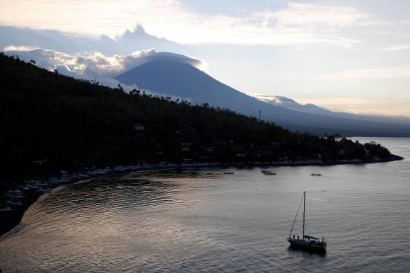 Volcán en Bali. Foto: Reuters