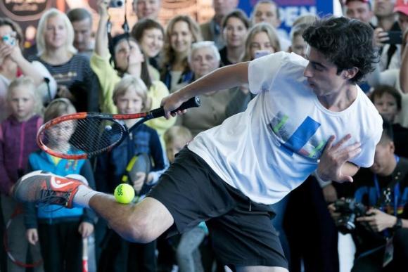 Stefan Bojic, el freestyler del tenis. Foto: @stef_bojic