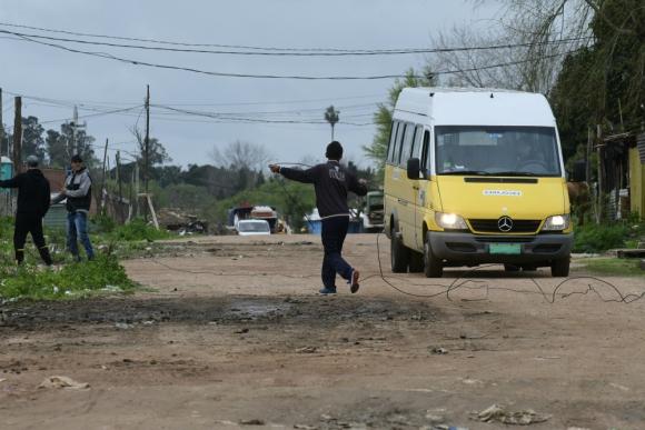 La paranoia gana el ánimo de los vecinos y pocos niños van a la escuela. Foto: M. Bonjour
