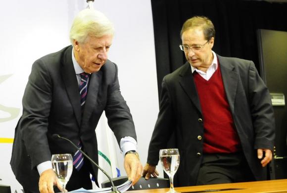 Astori ha sido uno de los funcionarios más cautos en torno a la negociaciones con UPM. Foto: M. Bonjour