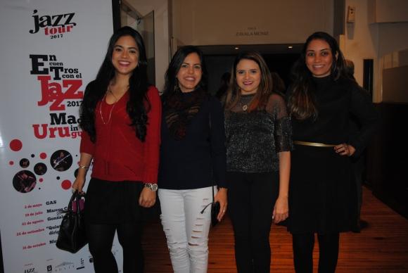 Livia Verissimo, Laine y Luz, Marcya Cristina.