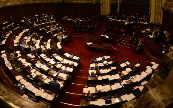 Los legisladores que renuncian en su mayoría se han acogido al subsidio por un año. Foto: G. Pérez