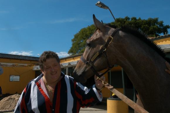 Una de sus grandes pasiones: los caballos. Foto: archivo El País