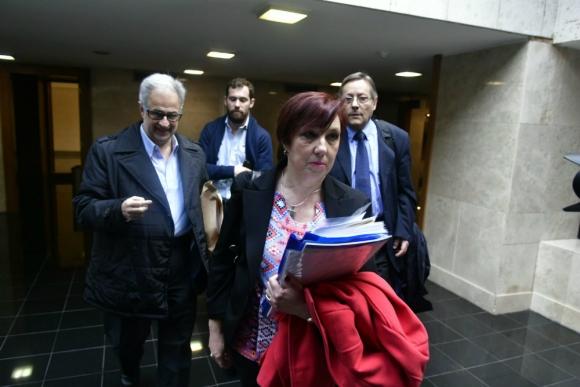 Muñiz arriba a la comisión investigadora del Parlamento sobre ASSE. Foto: Fernando Ponzetto.