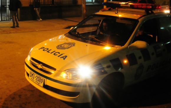 Policía: en la madrugada tocó la puerta de la familia para dar la terrible noticia que no era real. Foto: M. Bonjour