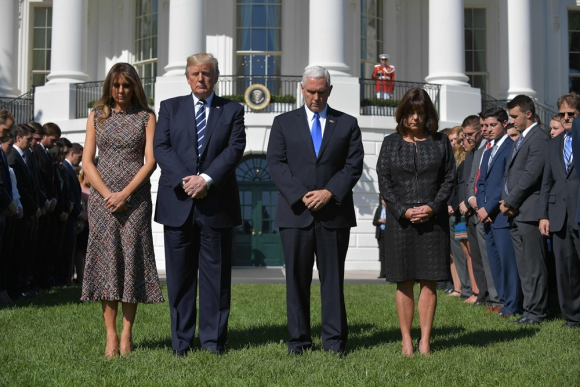 Casa Blanca: Trump encabezó ayer un minuto de silencio. Foto: AFP