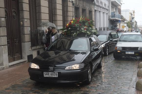 El cortejo fúnebre desde la Ciudad Vieja hasta el Cementerio del Norte. Foto: F. Flores
