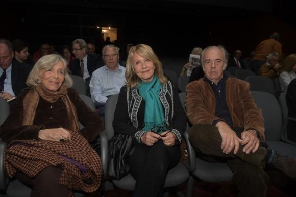 Graciela, Mercedes y Guido Berro.