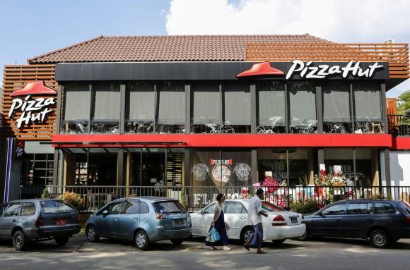 Pizza Hut es conocida por su menú italoamericano de cocina que incluye pizza y pasta. (Foto:EFE)