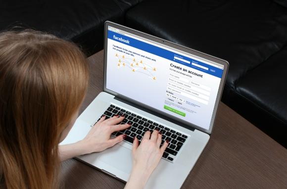 Hackers están eligiendo redes sociales para hacer sus estafas. Foto: Shutterstock