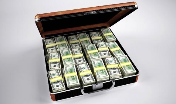 El 1% de los mayores ingresos percibe en promedio dinero de tres empresas. Foto: Pixabay