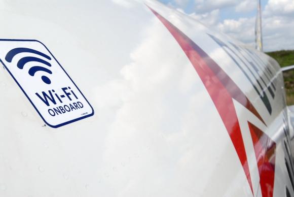 Conexión a bordo. Desde el domingo, Delta ofrece mensajería móvil gratuita en sus vuelos.