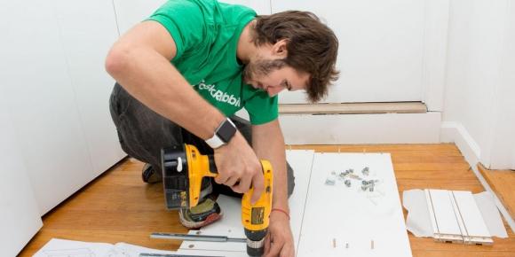 TaskRabbit. La plataforma online permite contratar a trabajadores independientes para reparación del hogar.