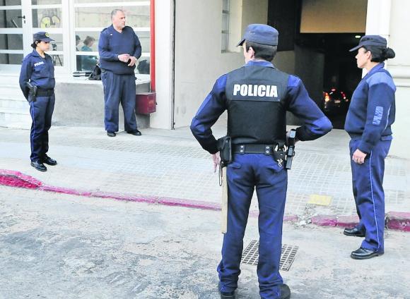 Custodiar a una persona particular durante un mes le cuesta al Estado unos $170.000 en sueldos de policías. Foto: D. Borrelli