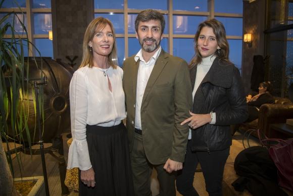 Jeannie Fontaina, Julio Minetti, Martina Regusci.
