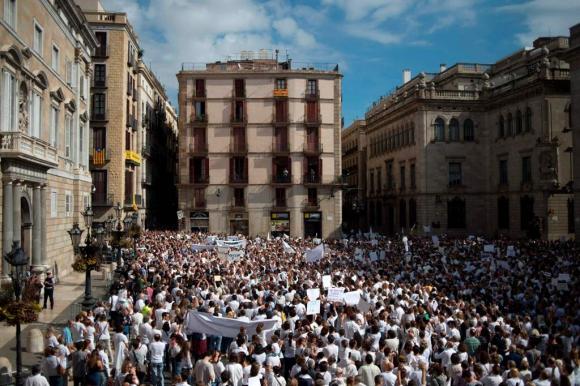 Protestas en Cataluña en reclama de diálogo. Foto: Reuters