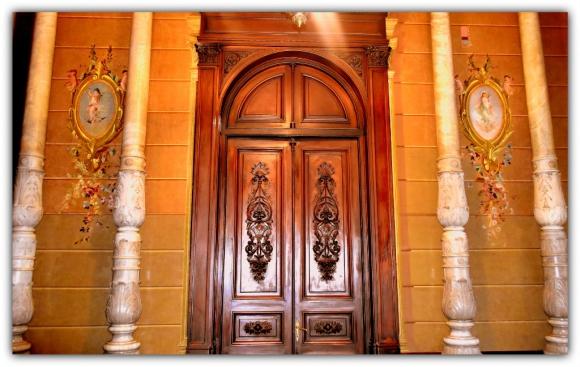 zaguán del Palacio Santos de Montevideo.