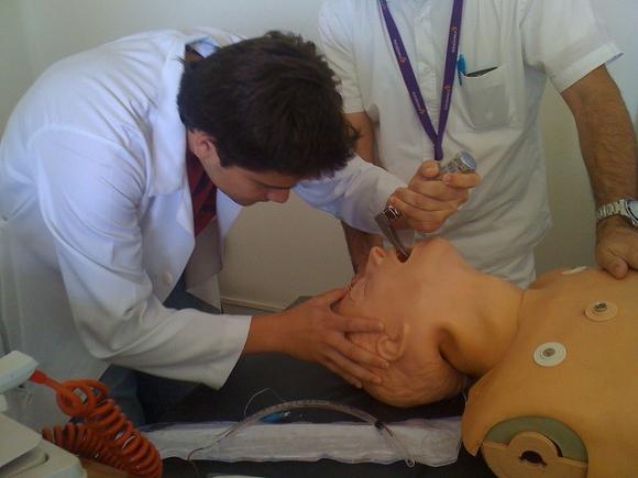 """El texto establece que el objetivo es """"prevenir la muerte súbita en el ámbito extrahospitalario"""". Foto: Flickr"""