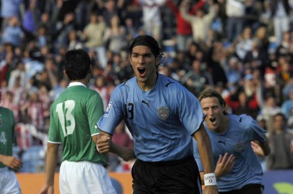 Sebastián Abreu y su grito de gol frente a Bolivia en 2007