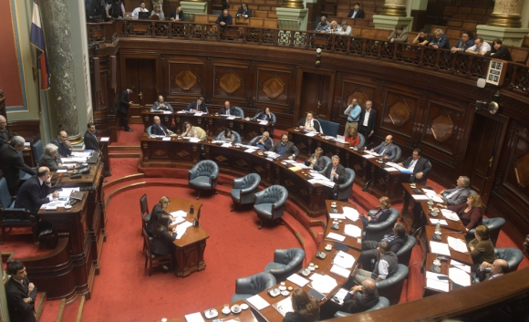 El oficialismo ratificó el subsidio, pese a las críticas de la oposición. Foto: F. Flores