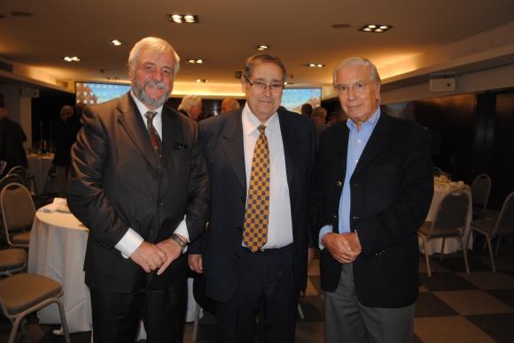 Mario Soca, Ricardo Rodríguez, Julio Porteiro.
