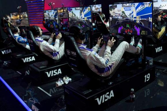 Realismo. El videojuego recrea una experiencia similar a la que vive un piloto.
