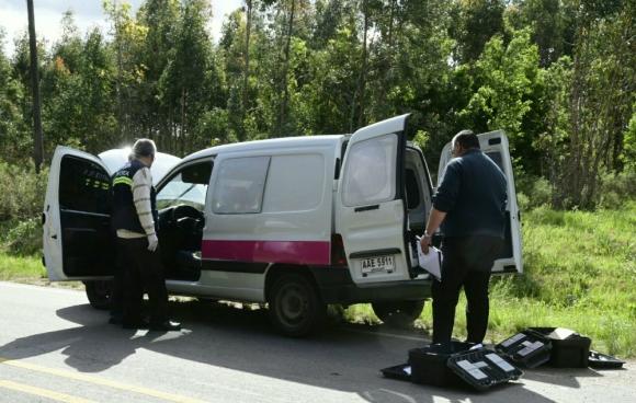 Camioneta que usaron los asaltantes para escapar. Foto: Marcelo Bonjour