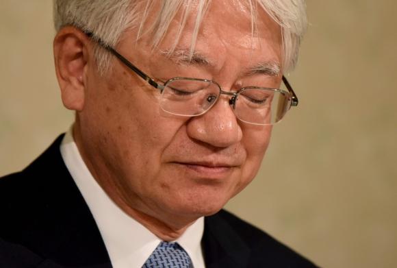 Kawasaki. El presidente del grupo admitió el error que provocó una caída en las acciones de la compañía.