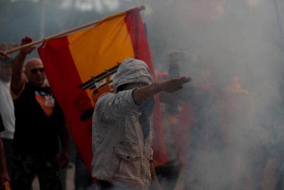 El saludo nazi en una protesta realizada la semana pasada en Barcelona. Foto: Reuters