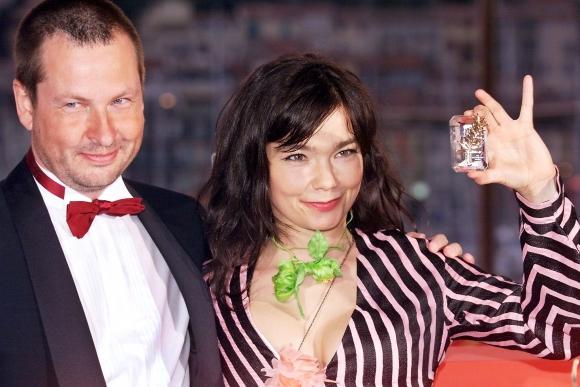 La cantante islandesa Björk junto al director Lars Von Trier. Foto: AFP