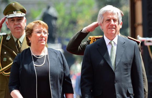 El presidente pidió priorizar la aprobación del TLC con Chile en el Parlamento. Foto: AFP