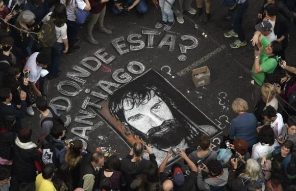 Argentina está en vilo a la espera de la información oficial sobre el cuerpo encontrado. Foto: AFP