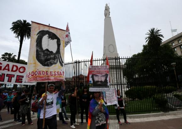 Manifestación por la aparición de Santiago Maldonado. Foto: Reuters.
