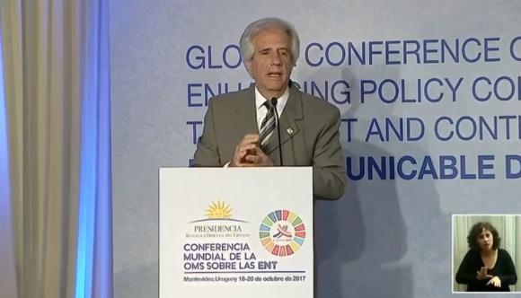 Tabaré Vázquez habla en el cierre de la Conferencia de la OMS. Foto: Captura.