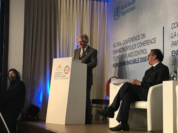 Vázquez en la Conferencia de la OMS. Foto: MSP.