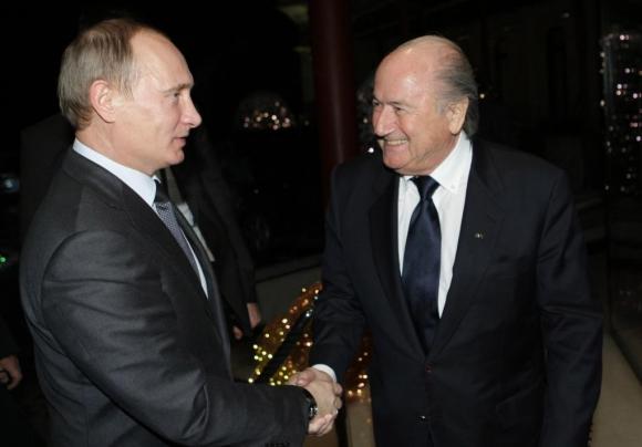Joseph Blatter y Vladimir Putin. Foto: AFP