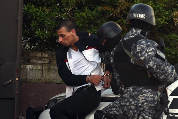 El Pato Feo ingresando en el juzgado de Toledo a declarar ante la jueza. Foto: Ariel Colemgna