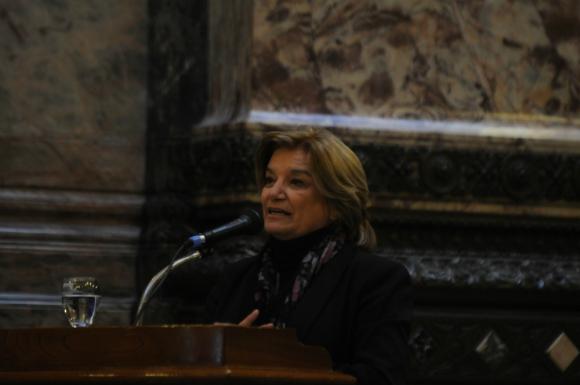 Eneida De León, ministra de Vivienda. Foto: Francisco Flores / Archivo El País.