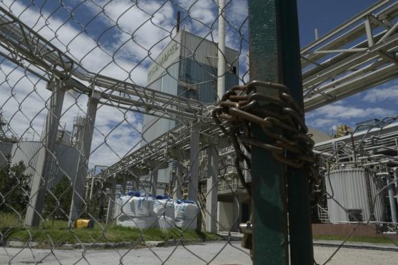 Juan Lacaze: planta cerró en febrero y solo importa productos. Foto: archivo El País
