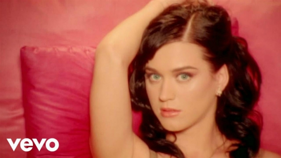 """I kissed a Girl"" Katy Perry"