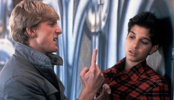 """Daniel Larusso (Ralph Macchio) y Johnny Lawrence (William Zabka) en """"Karate Kid"""" (1984). Difusión"""