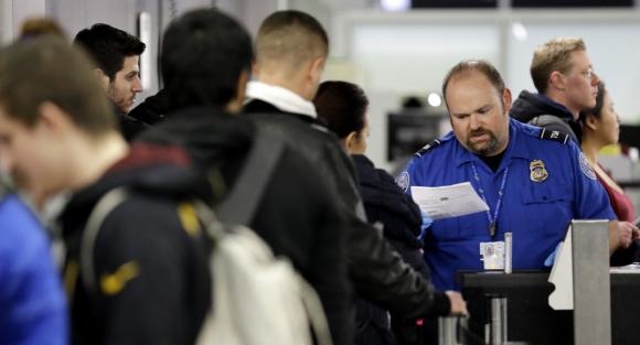 En algunos casos, el chequeo empieza cuatro horas antes del vuelo. Foto: Archivo