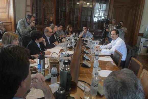 El director general del Hospital Pereira Rosell, Federico Eguren, en la Comisión investigadora. Foto: Francisco Flores.