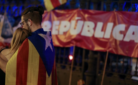 """""""Estamos impacientes de tener ya la República catalana. ¡Ya debería haber pasado!"""", dijo una joven. Foto: Reuters"""