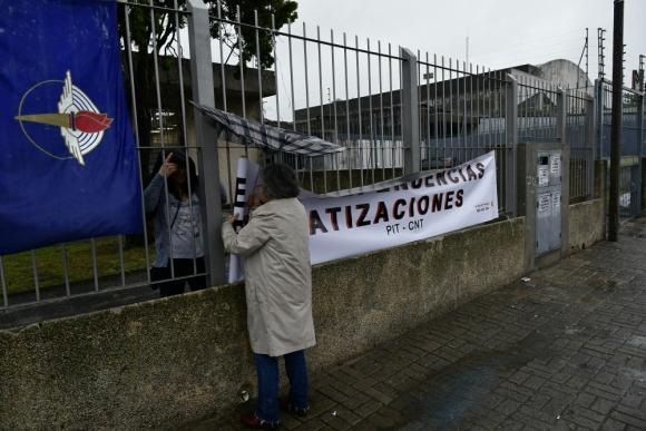 Los trabajadores quieren evitar el cierre de la sede Mercado Modelo. Foto: Fernando Ponzetto