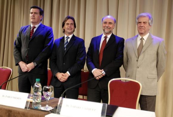 Pedro Bordaberry, Luis Lacalle Pou, Pablo Mieres y Tabaré Vázquez. Foto: EFE