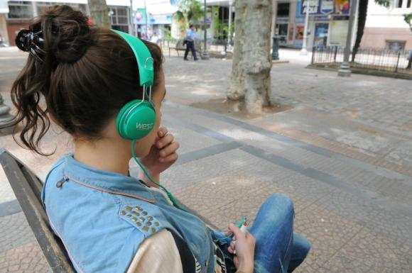 Música: las radios deben cumplir con una cuota de canciones de origen nacional. Foto: D. Borrelli