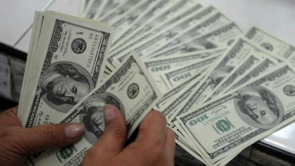 Octubre: el dólar venía superando largo los $ 29. Foto: AFP